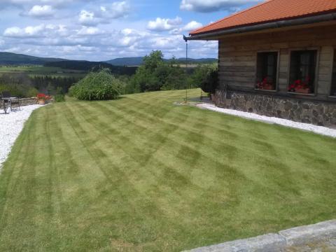 Zahrada po důkladné vertikutaci