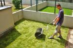 Barrandov - zákládání trávníku pomocí travních koberců